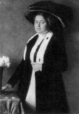 Sestra Elli v roce 1910