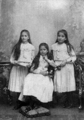 Kafkovy sestry Valli, Elli a Ottla
