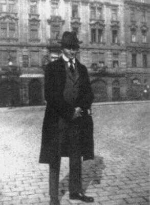 Franz Kafka na Staroměstském náměstí