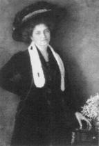 Sestra Valli v roce 1910