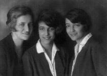 Sestra Valli s dcerami Lottou a Mariannou, 1931