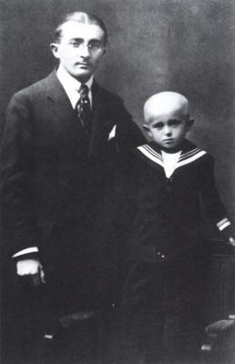 Bohumil Hrabal se strýcem Bohušem Kiliánem, Brno, 1920