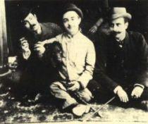 Henri de Toulouse-Lautrec mezi přáteli i s bratrancem Louisem Pascalem.