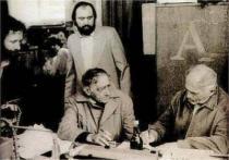Po premiéře Rozvzpomínání - básník Jan Skácel, Bohumil Hrabal, Petr Oslzlý a Ivo Krobot
